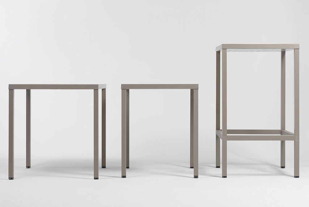 Cube 70 table €189 and extender high kit €85